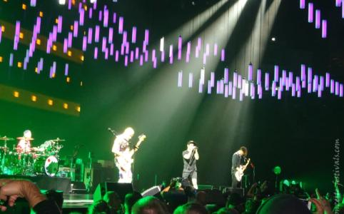 Red Hot Chili Peppers in der Mercedes-Benz Arena Berlin (2016)